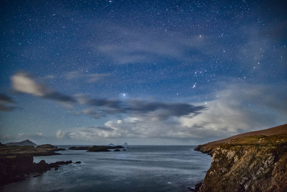 Night-Sky-over-skelligs-wit