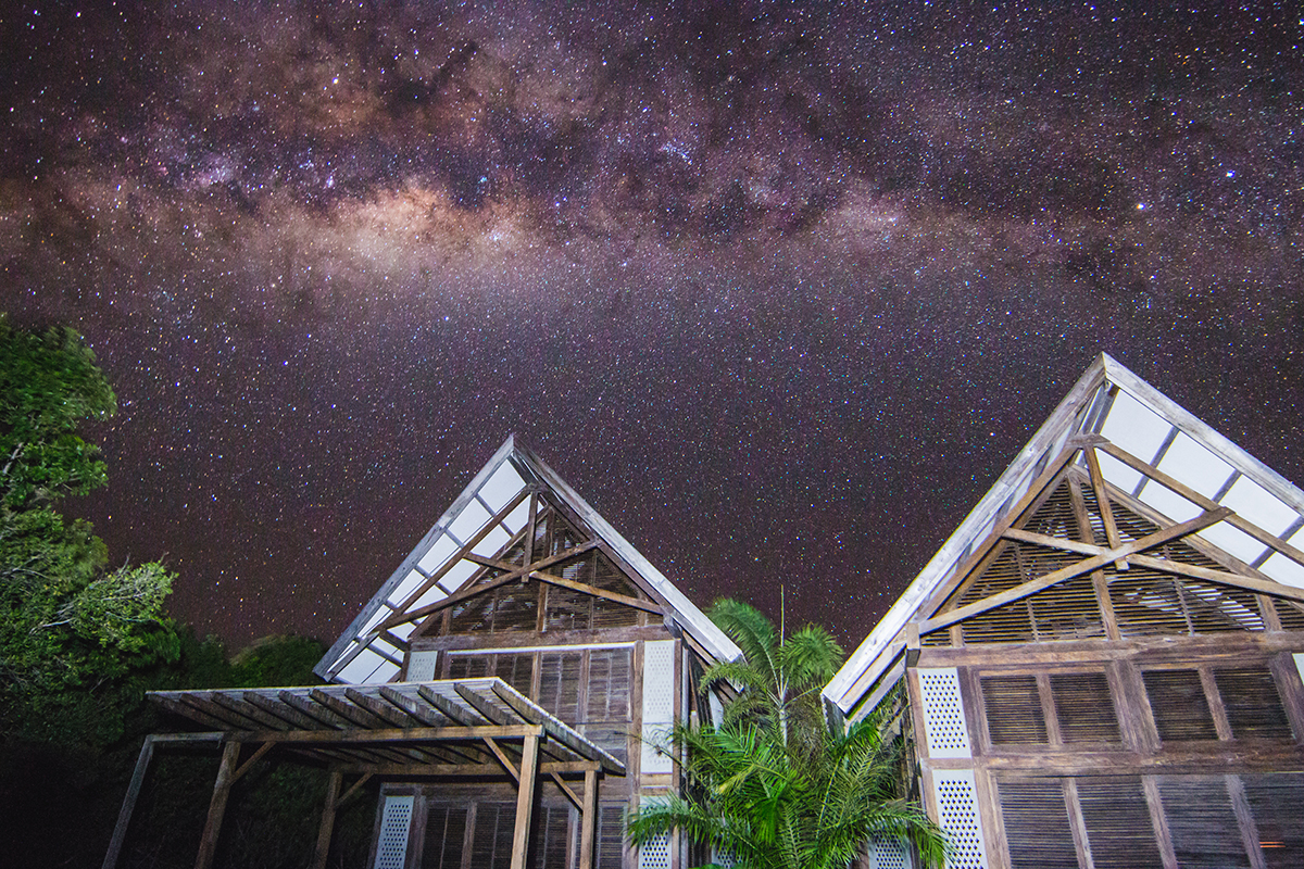 Milky-Way-Over-Villa