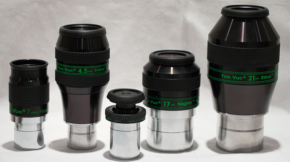 Comparision image showing the relative size of variety of Tele Vue eyepieces.